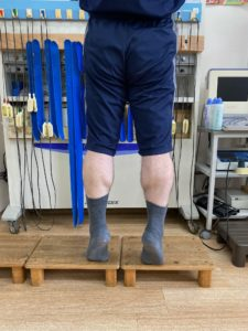 カーフレイズ 下腿三頭筋の強化を行います